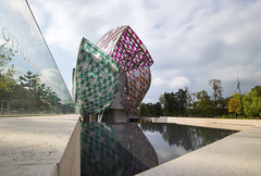 Messy cocoon III (Olivier So) Tags: france paris art museum louisvuitton gehry