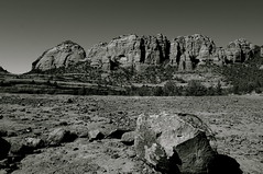 Schnebly Hill rd Sedona (redrock flyer) Tags: sedona schneblyhillrd sedonaaz 4x4rd redrocks sedonaredrocks cowpies bw blackandwhite