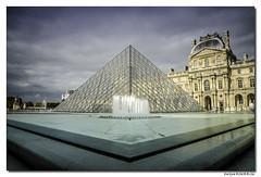 La pyramide du Louvre - Paris #2 (Maryline ROHER) Tags: louvre pyramide pyramidedulouvre paris poselongue