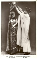 Forbes-Robertson and Gertrude Elliott in Caesar and Cleopatra (Truus, Bob & Jan too!) Tags: forbesrobertson johnston johnstonforbesrobertson vintage postcard cinema film movies muet muto stummfilm star screen silent schauspieler actor acteur attore theatre theater stage victorian edwardian era 1910s 1900s juliuscaesar caesarandcleopatra gbshaw hamlet shakespeare british britain greatbritain united kingdom caesar cleopatra rotary lizziecaswallsmith gertrudeelliott historicalcostume antiquity