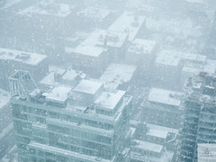 Chute de neige/Snow fall/Snfall (Elf-8) Tags: montreal cityscape snow blizzard skyscraper city building down