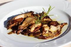 "Ce soir ""Funghi Porcini"" au restaurant ""Chez Roberto""... (carlo612001) Tags: funghi porcini food reastaurant eat eating slowfood gourmet grill grilled cèpes boletus porcinimushrooms mushrooms"