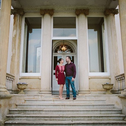 It's been a busy season of #engagementsessions. Here's another favourite from Aniko & John's #Engagement this #autumn at the delightful #mountsomersethotel in #Taunton. Love the #neoclassicalarchitecture with the pillars at the front steps. Makes such a g