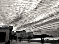 Rows. - Renglones. (Poldarkk) Tags: life vida rows renglones biarritz aquitaine france poldarkk irun soul naked alma desnuda arte art