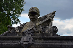Knight's tomb (Dun.can) Tags: london 19thcentury victorian knight guesswherelondon w10 galloway eastindiacompany gwl kensalgreencemetery 17801850 majorgeneralsirarchibaldgalloway