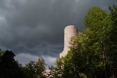 Withstand (twinnigranrulio) Tags: fall clouds fortress idaroberstein