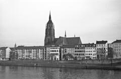 frankfurt am main (ne y waoongo) Tags: hessen main altstadt frankfurtammain westgermany mainkai kaiserdomsanktbartholomäus