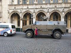 Brussels terror : military at the town hall. (pierre.paklons) Tags: brussels grandplace bruxelles terror grotemarkt terreur