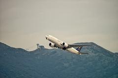 Saudia - Saudi Arabian Airlines Cargo   Boeing 777-FFG   HZ-AK71 (Vitaliy Lobanov) Tags: plane airplane hongkong airport aircraft aviation aeroplane aviao hkg aereo spotting avion avia planespotting aeroplano hongkonginternationalairport cheklapkokairport vhhh