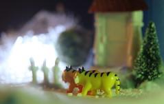 """Electric fence, beware!"" (Hannhell) Tags: tiger moomin moomins adventcalendar moominhouse hattifattener"