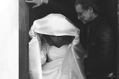 Wedding (Aberkane Oussama) Tags: wedding portrait bw white black portraits photography algeria nikon photographie noiretblanc algerie oussama aberkane nikon1685mmvrii nikond7000 clubalgeriendelaphotographie
