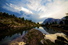 Lo specchio dell'anima (Gio_guarda_le_stelle) Tags: dolomiti dolomiten dolomites sunset sky lake mountainscape clouds cielo atmosphere wind reflection life love nuvole sogni musica einaudi piano vento sofia sussurri carezze landscape