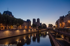 Streetslights by the canal (The Stiig) Tags: water france sunrice riverseine fall cathdralenotredame paris ledefrance fr