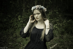 ThE aRt oF BeAuTy * (Xavier R. photography) Tags: beauty dark art tableau green filter lightroom nikon d200 35mm flowers foret wood composition modele shooting teen girl femme fille woman cute perfect grace romance romantique