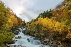 mountains in automn (erwann.martin) Tags: moutains automn ciel colour erwannmartin nikon nd nature france river rocher tree