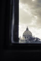 Cupola di San Pietro (kwpacheco2) Tags: cupula cielo blanco negro ventana vaticano nube san pedro ciudad roma tambor linterna vano miguel ángel 2016