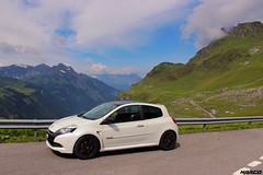 Mid-summer drive (Iceman_Mark) Tags: summer white 3 black alps cup sport four switzerland noir pass clio renault 200 cylinder pearl phase limited edition rs blanc uri naturally givre 2010 glarus nacr klausen 2litre schchental aspirated