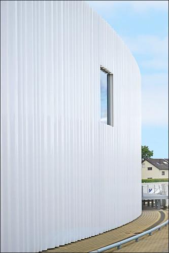 Le hall de production conçu par SANAA (Campus Vitra, Weil am Rhein, Allemagne)