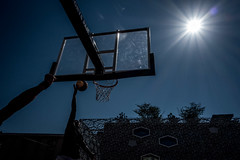 Sunny street basket-ball (Geoffrey Etwein) Tags: workshop leuthard
