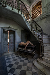 Lay back on rhythm and blues (wil.crooymans) Tags: old woman france art abandoned girl beauty naked nude model veil artistic decay piano villa frankrijk transparent cloth chateau vrouw verdure urbex naakt transparant verval doek naaktfotografie