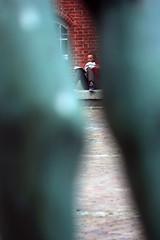 Auf dem Rathausplatz (1) (Rüdiger Stehn) Tags: 2015 2000er 2000s europa mitteleuropa deutschland norddeutschland schleswigholstein menschen leute rathausplatz rathaus altesrathaus opernhaus kieleroper canoneos550d rüdigerstehn fusgängerzoneinnenstadtkiel kielvorstadt kiel