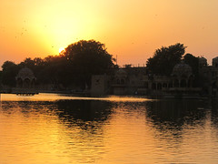 "Lac de Jaisalmer <a style=""margin-left:10px; font-size:0.8em;"" href=""http://www.flickr.com/photos/127723101@N04/21769901133/"" target=""_blank"">@flickr</a>"
