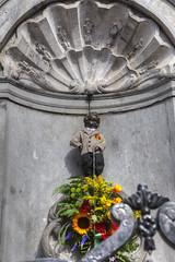 Brussels (insomniac 2.0) Tags: boy brussels belgium peeing pis manneken