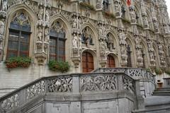 Ayuntamiento - Leuven (Erasmusenflandes) Tags: ayuntamientodelovaina gtico gticoflorido historia arquitectura torres grotemarkt estatuas city hall turismo viajes lovaina leuven flandes