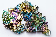 3 pieces of  Bismuth (Traveller_40) Tags: bismut bismuth chrystal elchd500 elinchrom formen homeshooting homestudio hopper hoppermetal iridescence kristallisation litemotiv120 macro macrolicious makro maro mineralientage prime primelense studio studioblitz wismut wismuth bright close closeup colorfull geometrischer indoor iridescent metal up whitebackground