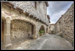 Santa Pau (jemonbe) Tags: santapau vila medieval plazaporticada jemonb gerona girona