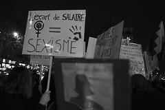_DSF9104 (sergedignazio) Tags: france paris street photography photographie fuji xpro2 internationale lutte violences femmes
