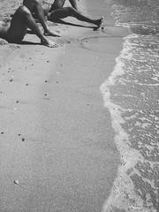 Men ashore (ale2000) Tags: vsco mobile fotomobile summer estate spiaggia beach sea seaside mare almare uomini maschi legs gambe men sabbia sand waves onde water acqua bn bw leisure vacanza sicilia sicily tonnarella street streetphotography candid