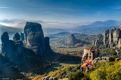 Misty Meteora (Javiralv) Tags: mist misty meteora greece hellas grecia nebuloso niebla monasterios