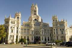 Palacio Cibeles - Madrid (rschnaible) Tags: madrid spain espana europe street photography building architecture old history historical palacio cibeles city hall government