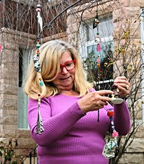 DSC_3222 (Bill A) Tags: baltimore street people children grandparents tree ornaments