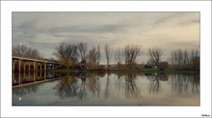 Al pasar el puente (V- strom) Tags: texturas paisajes otoño nubes cielo nikon nikon2470 nikon50mm flora agua río