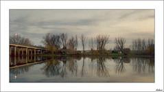 Al pasar el puente (V- strom) Tags: texturas paisajes otoo nubes cielo nikon nikon2470 nikon50mm flora agua ro