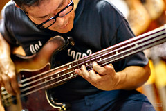 Juan Alderete (cybertect) Tags: uk london shop bass event fender precision bassguitar wunjo themarsvolta wc2 fretless denmarkstreet londonwc2 juanalderete canonfd85mmf12l sonya7