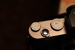 Aperture and Shutter (BZK2011) Tags: camera leica canon aperture shutter blende sigma1850mmf28 verschlusszeit kompaktkamera eos100d leicax1
