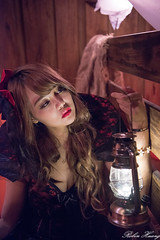 DSC_7466 (Robin Huang 35) Tags: 孫卉彤 candy miruna萬聖風 小惡魔 吸血鬼 vampire 萬聖節 halloween 棚拍 lady girl d810 nikon devil