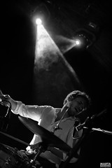 1_DSC_1024 (Marta Bandino) Tags: bianco quirinetta rome talent italy music musica guitar inri italia live singer light nikon pit nikond3100 onstage concert concerto performance photo acustic day friend flickrunitedaward colors blackwhite