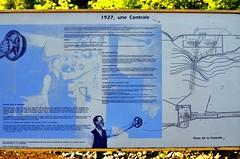 Panneau D'Information Sur La Centrale Hydro-Électrique. 03-09-2016 17:34 (Sandbanks Pro) Tags: parcdelagorgedecoaticook coaticook rivièrecoaticook coaticookriver quebec canada panneau pancarte centralehydroélectrique centraleélectrique powerstation electric électrique paysage touristique vacance holiday été summer