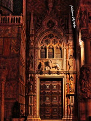 Venecia-23 Catedral de San Marcos (experimentos) (ferlomu) Tags: arquitectura ferlomu iglesia italia leonalado venecia