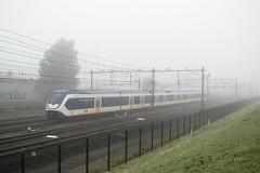 NS 2641 - Rotterdam-Zuid (rvdbreevaart) Tags: ns nsreizigers slt sprinter rotterdamzuid rotterdam mist fog