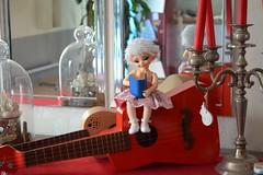 MiMi by Alixir and ukulele by Ironico (alixir1) Tags: ltf littlefee fairyland bjd doll elf lutin ukulele music guitare retro