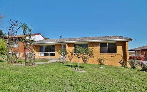 6 Cherry Court, Young NSW 2594
