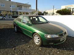 Opel Vectra B 1.8 CD (Trackyman) Tags: opel vauxhall vectra 1800 cd rioverde green saloon cyprus paralimni
