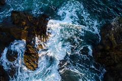 Bouts de mer (Laura Carrier) Tags: bretagne finistre mer ocan ocean eau water remou vague france nikon d7000