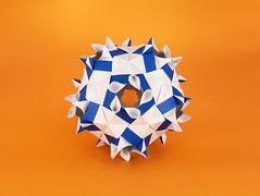 Quadrille var. (masha_losk) Tags: kusudama кусудама origami paper paperfolding modularorigami unitorigami модульноеоригами оригами бумага foliage folded symmetry