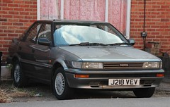 J218 VEV (Nivek.Old.Gold) Tags: auto toyota 1991 executive corolla 5door romford tonyevans liftback 16gl